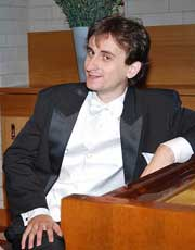 Renowned concert pianist comes to Humph Hall
