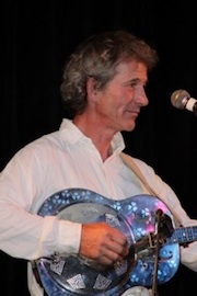 Duke's Place - Australian songs in concert & session with Mike Martin