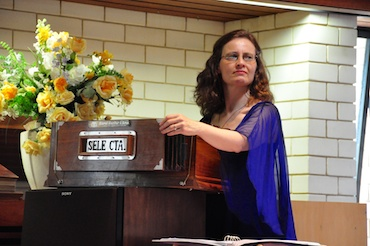 Gial Leslie playing the harmonium